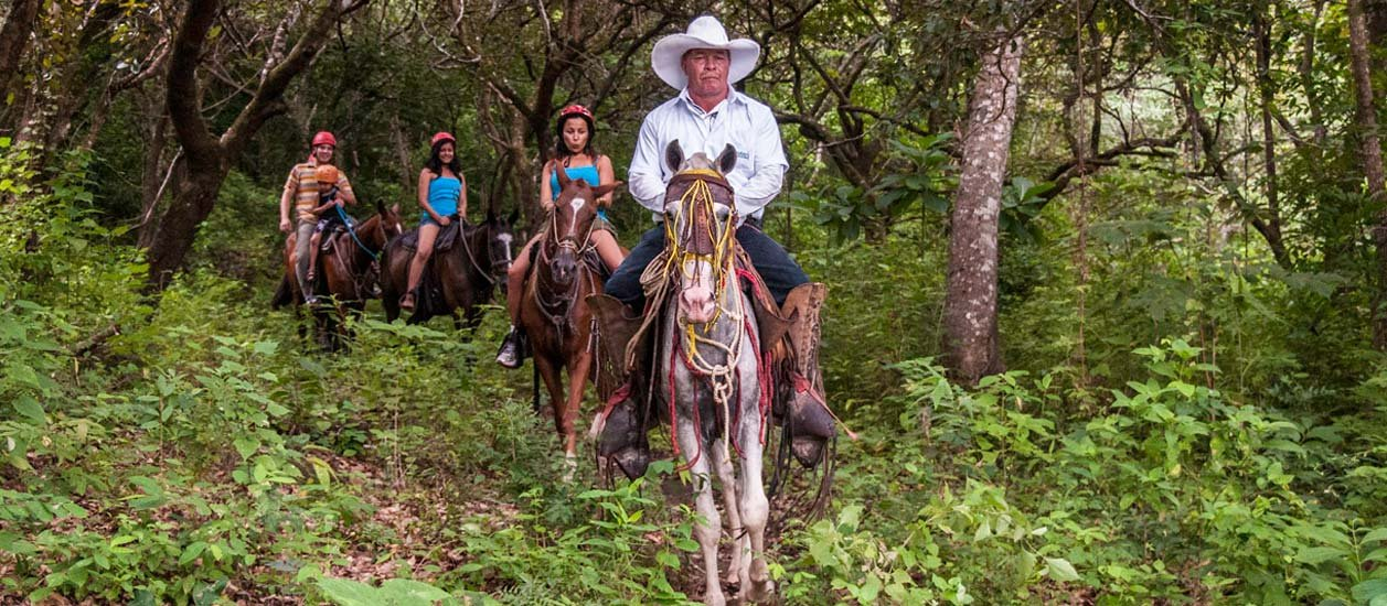Horseback Riding To The La Fortuna Waterfall