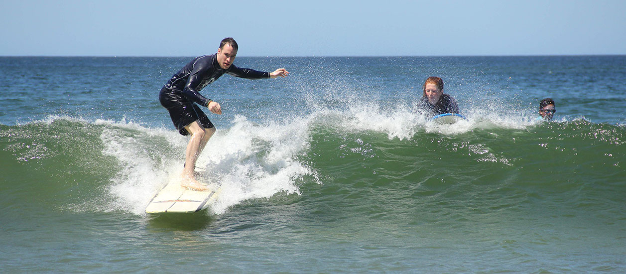 Surf lessons in Tamarindo Beach