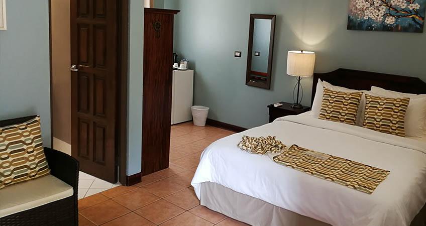 Espadilla Gardens Hotel