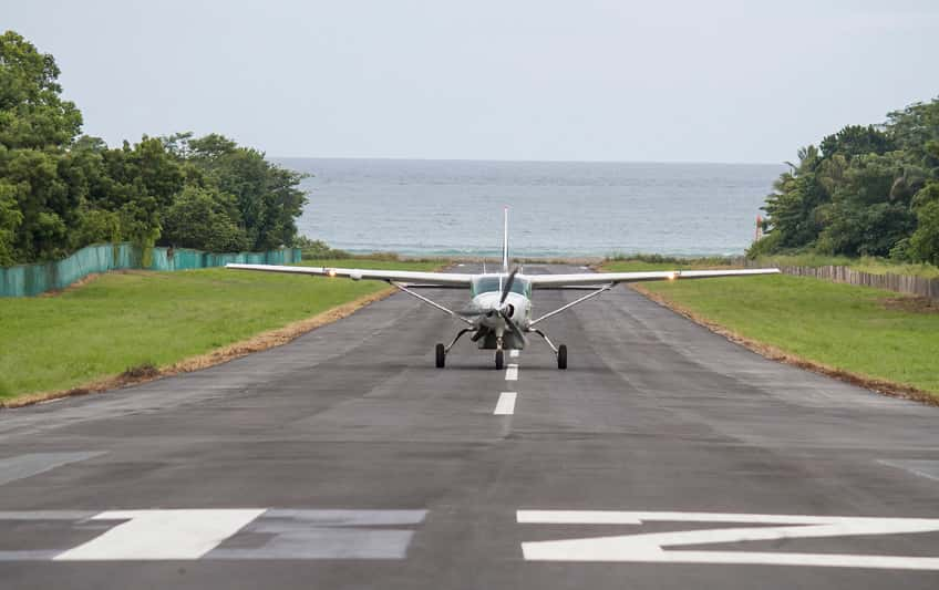 Closure of Quepos and Drake domestic airstrips