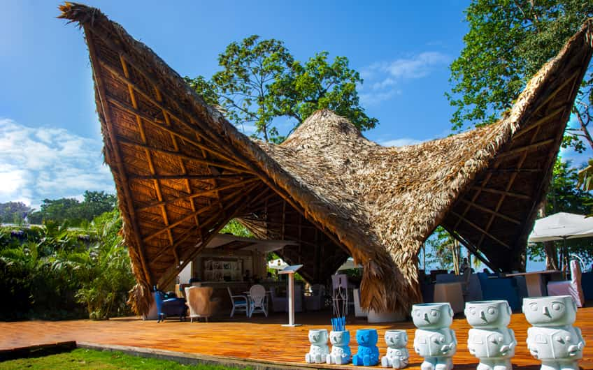 Noa Beach Club: renovated bar and restaurant in Puerto Viejo