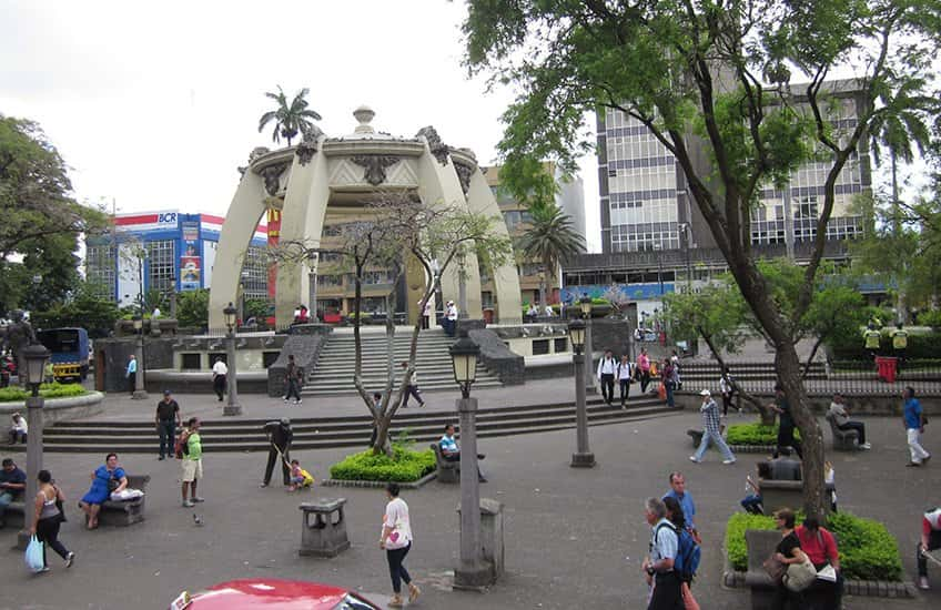 In the heart of the city it is located the San Jose's Central Park, a small park surrounded by the city's cathedral and many stores and other businesses.
