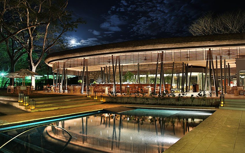 El Mangroove, luxury hotel in Costa Rica, Restaurant night