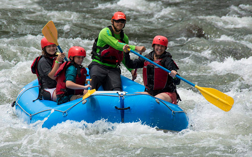 Rafting in Sarapiqui River, Travelling with children in Costa Rica