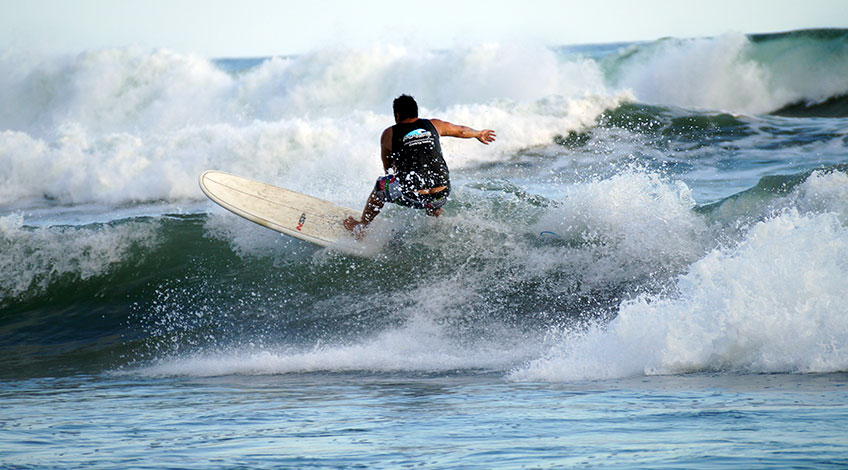 Costa Rica beaches: Jacó is a nice option for your vacation here:Surf in Jacó Beach