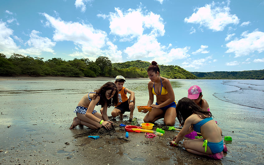 Costa Rica a Haven for Family Vacations beach