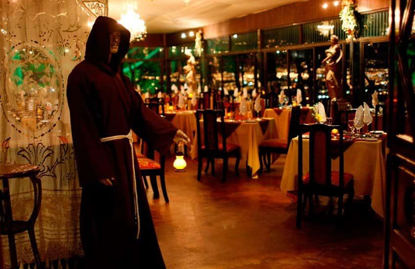 In San Jose gibt es mehrere schicke und exquisite Restaurants, das Le Monastere ist eines der besten.