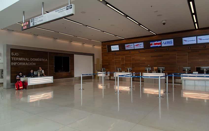 San Jose Costa Rica Direktflüge können vom wichtigsten internationalen Flughafen des Landes ankommen und abfliegen. Hier befindet sich auch die Landebahn für Innlandsflüge.