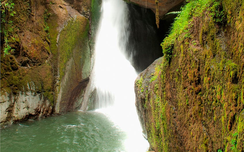 Waterfall tours in San Gerardo de Dota Costa Rica