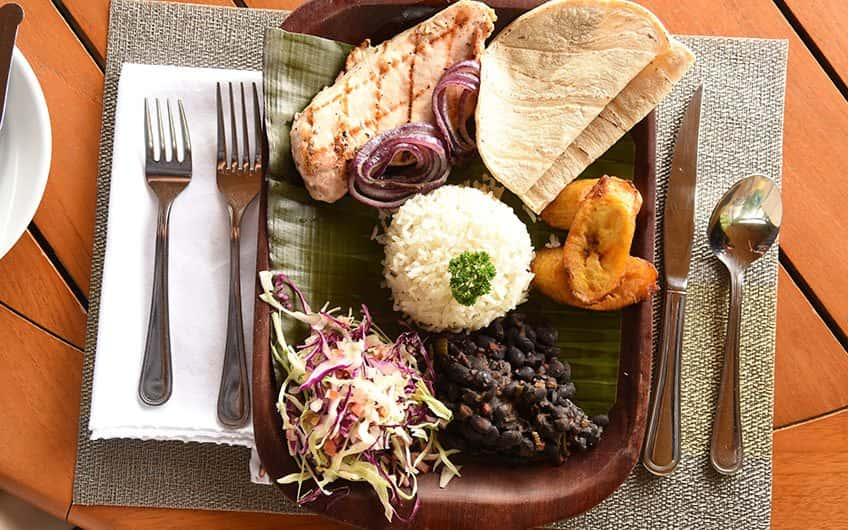 Country's typical food can be enjoyed during lunch in almost every San Jose restaurant at an accessible price.