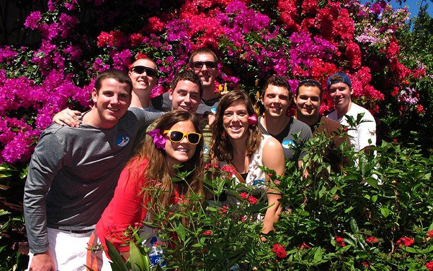 Costa Rica Culture: Pura Vida, friends in the garden in Heredia