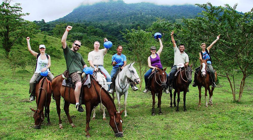 Costa Rica Tours: one-day activities to enjoy in Arenal: Horseback Ride in La Fortuna Waterfall