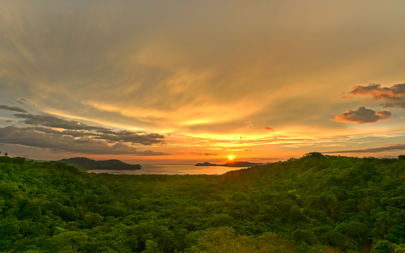 If you are looking for the best beach places to visit in Costa Rica, then Papagayo peninsula should be in your list. The most beautiful beaches are here!