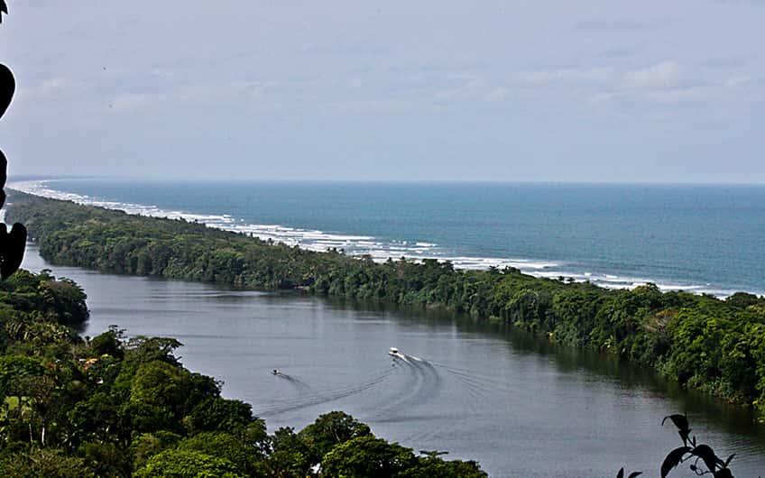 Tortuguero Costa Rica, Cerro tortuguero