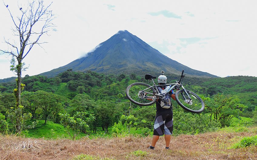 What to do in Costa Rica?: 100% Outdoor Adventure Mountain Bike in Fortuna Arenal lakel