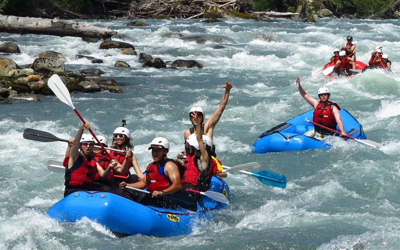 Costa Rica has the blessing of water! Two coasts and countless rivers and lakes are perfect for water sports like surf, diving, kayaking, paddling, floating and of course, white water rafting.