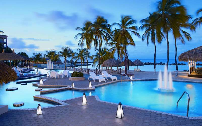 Westin Golf Resort & Spa Playa Conchal boasts 406 delightful guest rooms. Each offers clean, attractive decor for a relaxing environment that is enhanced by the beautiful natural surroundings.