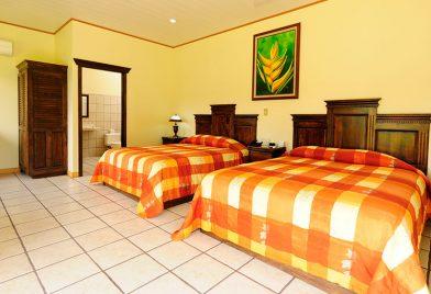 Hotel Arenal Manoa habitación