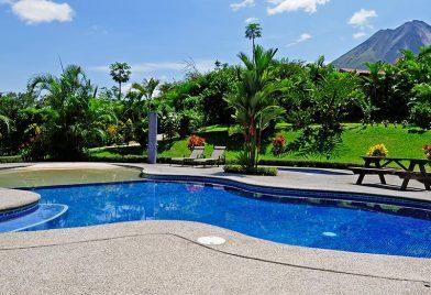 Hotel Arenal Volcano Inn pool