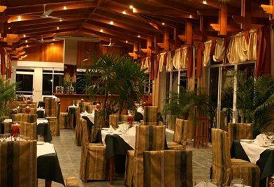 Cristal Ballena Hotel