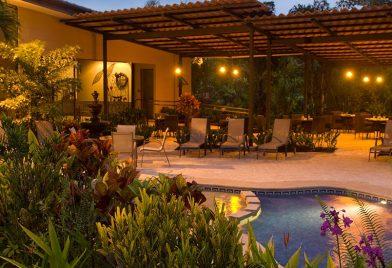 Pool Arenal Kioro