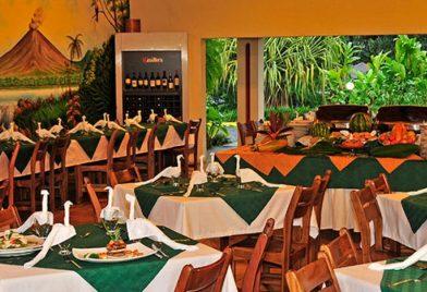 Hotel Lomas del Volcan restaurant