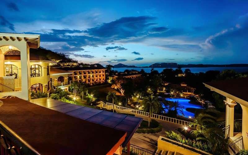 Dieses herrliche All-Inclusive-Resort überblickt den Golf von Papagayo und verfügt über einen abgelegenen, natürlichen Vulkansandstrand